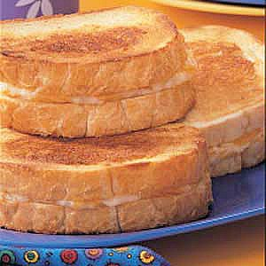ultimate-grilled-cheese-sandwich-uncommon-designs