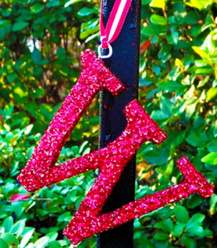 These glittered initial ornaments are such a simple gift idea. They look beautiful on a tree or as a gift topper.  Everyone loves a personalized gift and they will adore these monogrammed ornaments. See how at https://uncommondesignsonline.com/