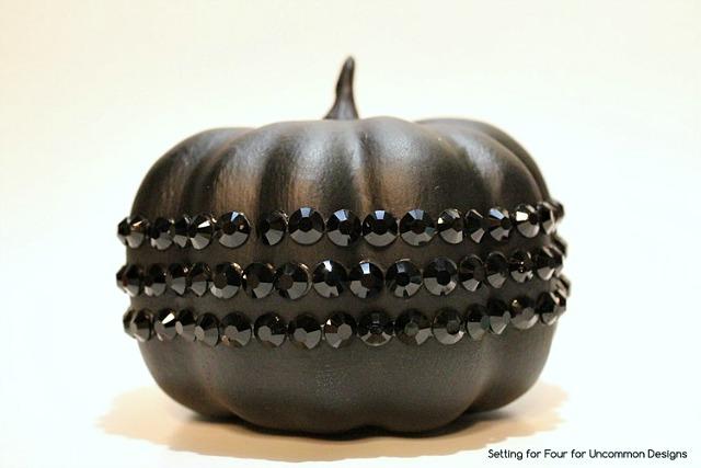 DIY_Black_jeweled_pumpkin