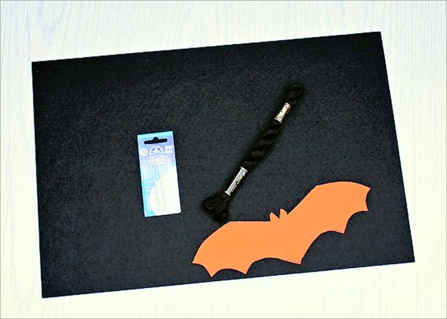 Simple Felt Bat Garland Supplies