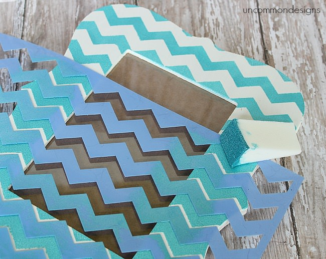 DIY_stenciled_frame_uncommondesigns
