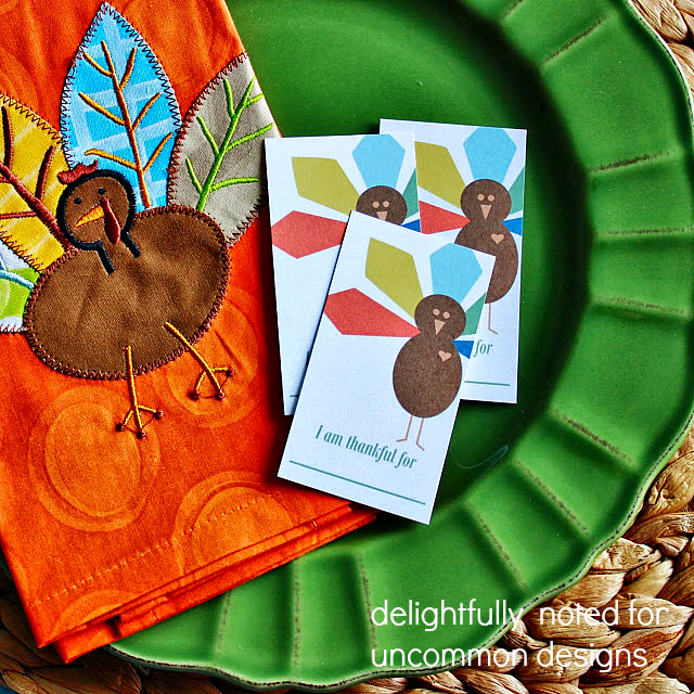 Download these adorable I am Thankful For Thanksgiving free printables fro the little kids and big to capture some memories.
