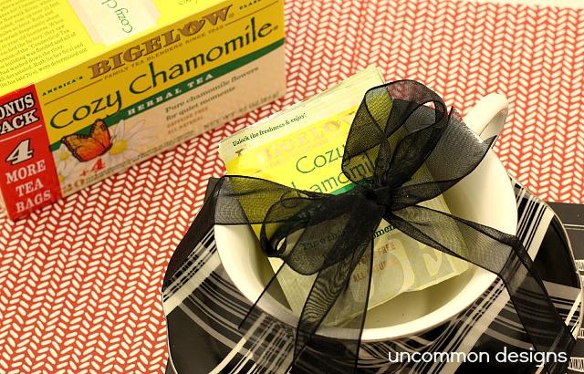 A Valentine Gift with Bigelow Tea #AmericasTea #cbias #shop  www.uncommondesignsonline.com