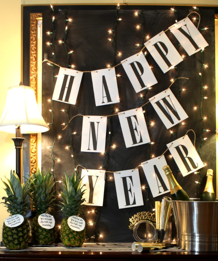 Free Printable New Years Gift Tags.  Welcome the new year with this great gift attached to a pineapple! See more at https://uncommondesignsonline.com/
